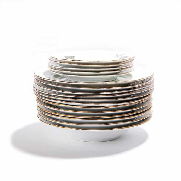Набор фарфоровых тарелок