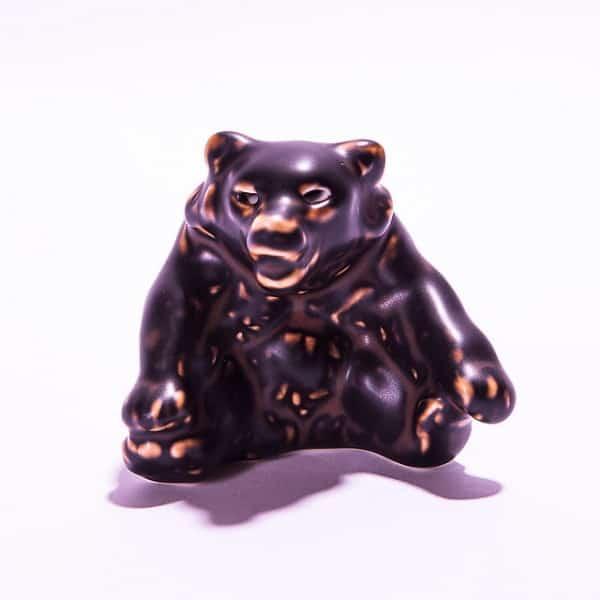 Фарфоровый «Медведь сидит»