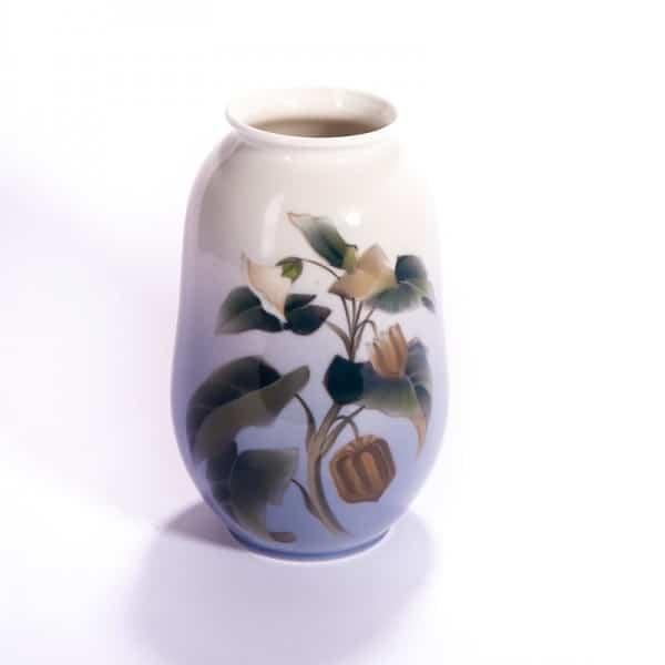 Фарфоровая ваза «Физалис»