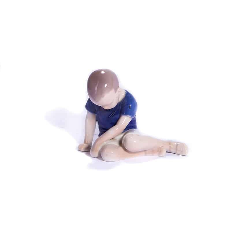 Статуэтка «Мальчик»