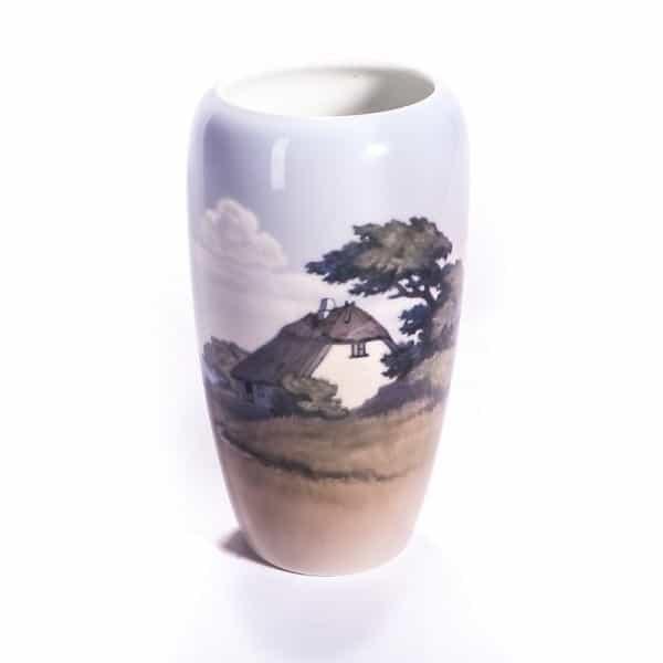 Фарфоровая ваза «Дом на берегу»