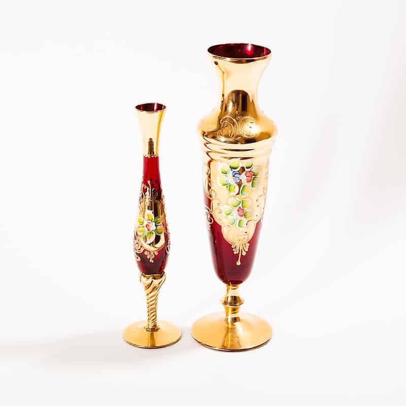 Ваза на ножке из красного стекла с росписью и позолотой