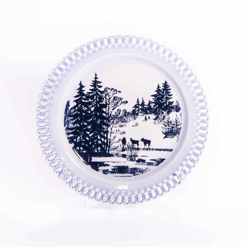 Фарфоровая тарелка из серии «Животные в рассвете. Лоси»