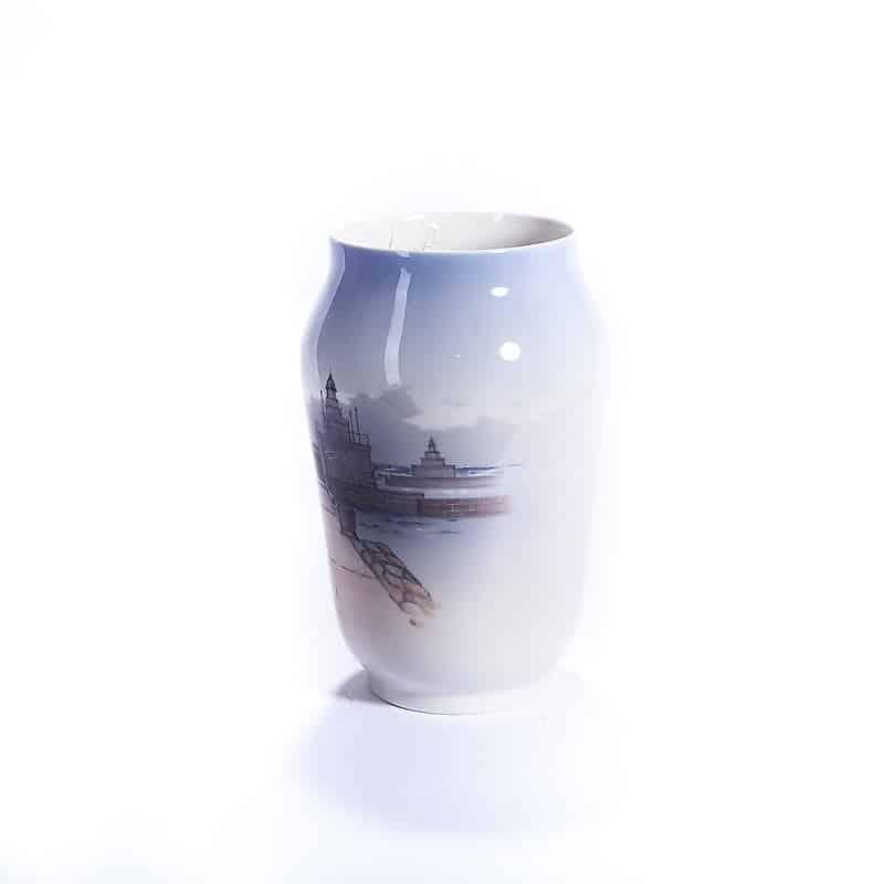Фарфоровая ваза с портовым пейзажем