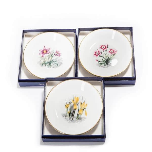 Комплект из трех блюдец «Цветочное панно»