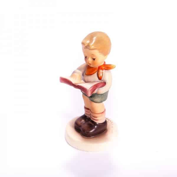 Фарфоровая статуэтка «Мальчик с книгой»