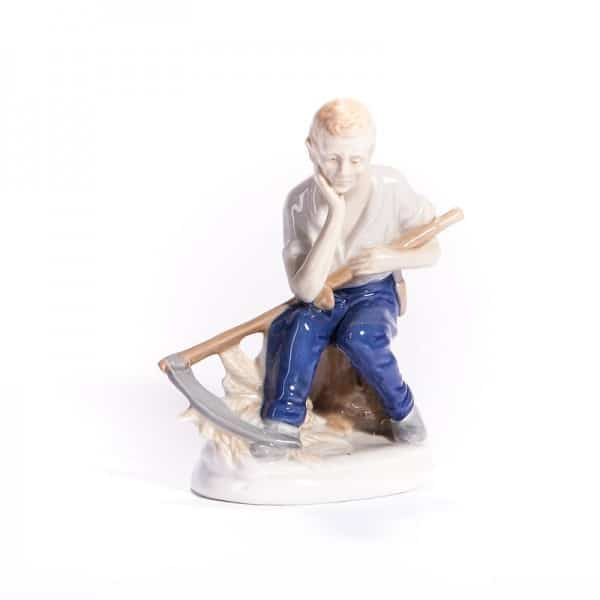 Фарфоровая статуэтка Жатва