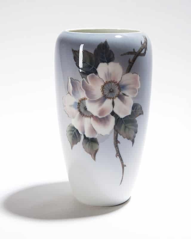 Фарфоровая ваза «Яблоневый цвет»