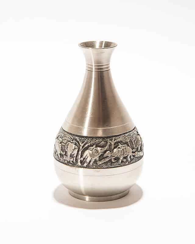 Декоративная вазочка сослонами
