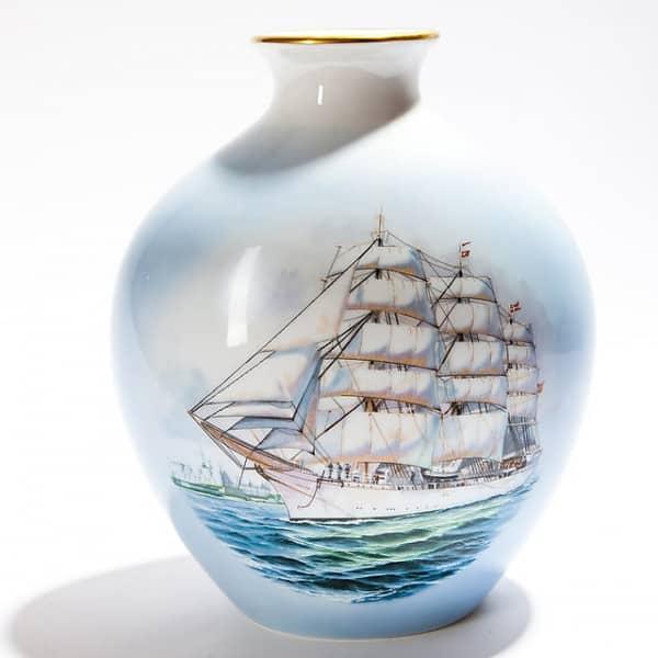 Ваза «Корабль спарусами» из лимитированной серии