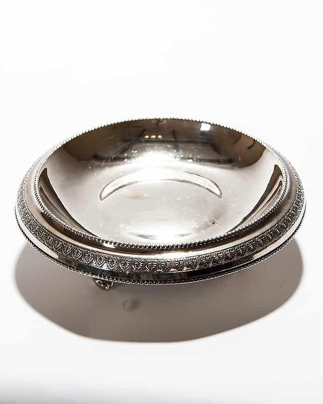 Серебряная чаша для бисквита