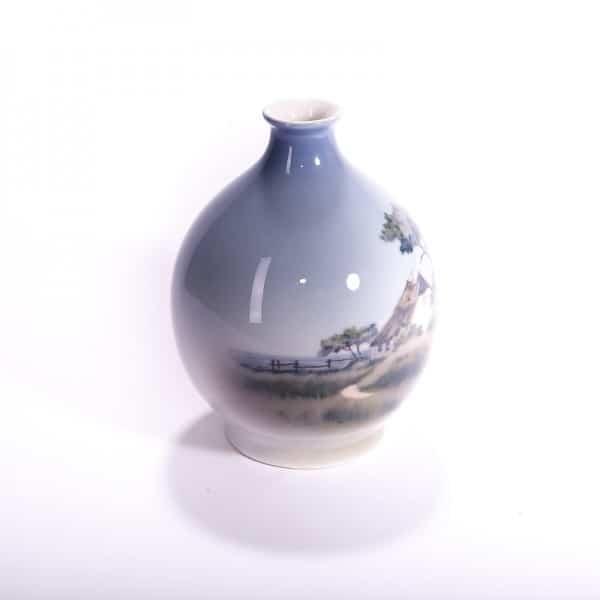 Фарфоровая ваза «Дом на берегу моря»