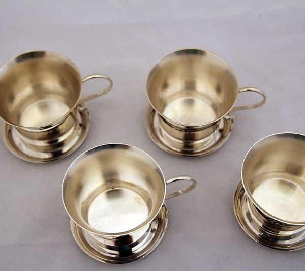 Парные кофейные чашки с блюдцами