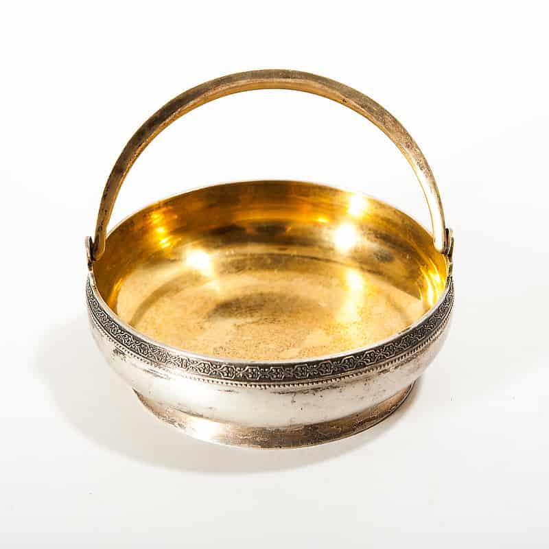 Серебряная сахарница с внутренней позолотой круглая