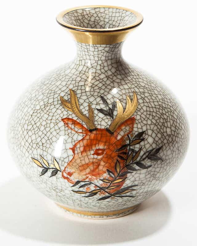 Фарфоровая ваза-кубышка «Олень»