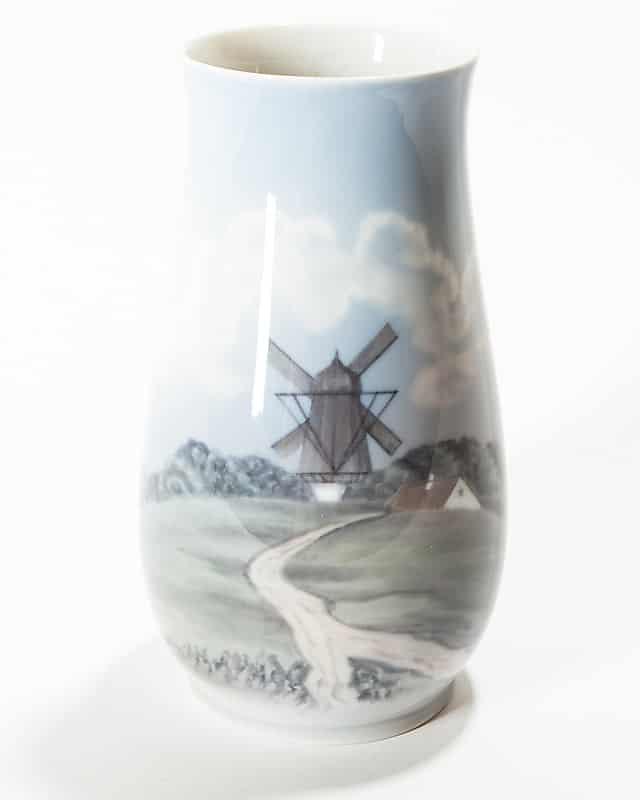 Фарфоровая ваза «Мельница»