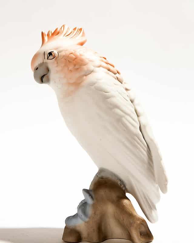 Фарфоровая статуэтка «Попугай»