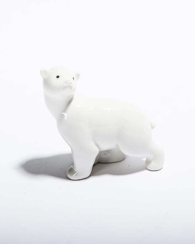 Статуэтка «Белый медвежонок»