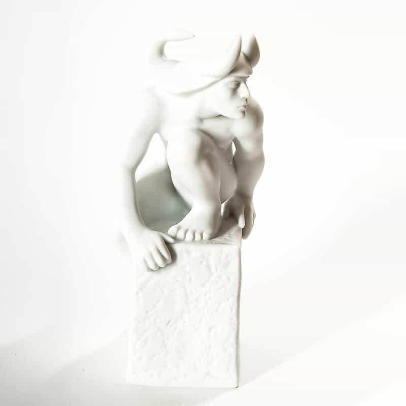 Фарфоровая скульптура «Знаки Зодиака. Скорпион»