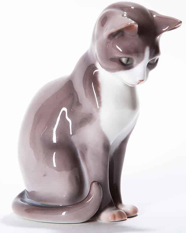 Фарфоровая «Кошка»
