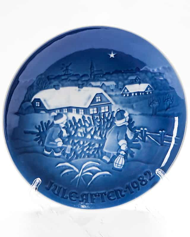Декоративная фарфоровая тарелка «Ёлка на Рождество»