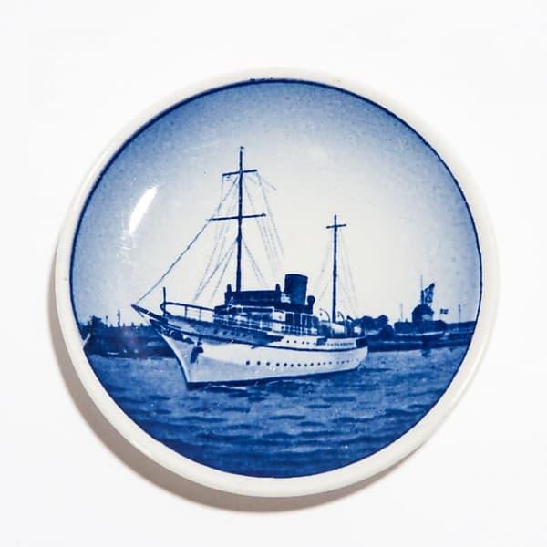 Декоративная тарелочка «Королевский корабль»