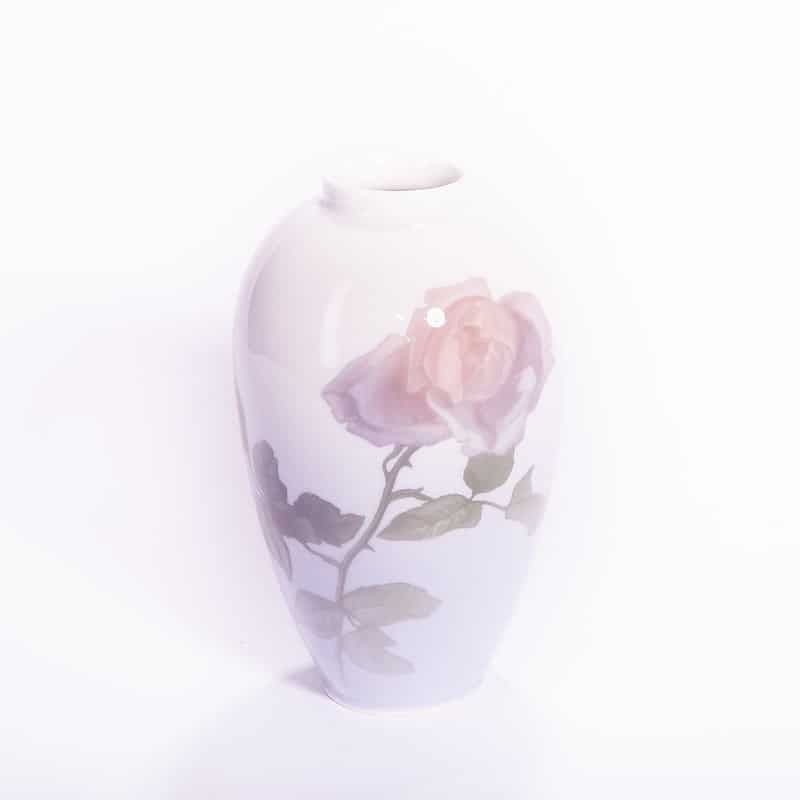 Фарфоровая ваза «Роза»