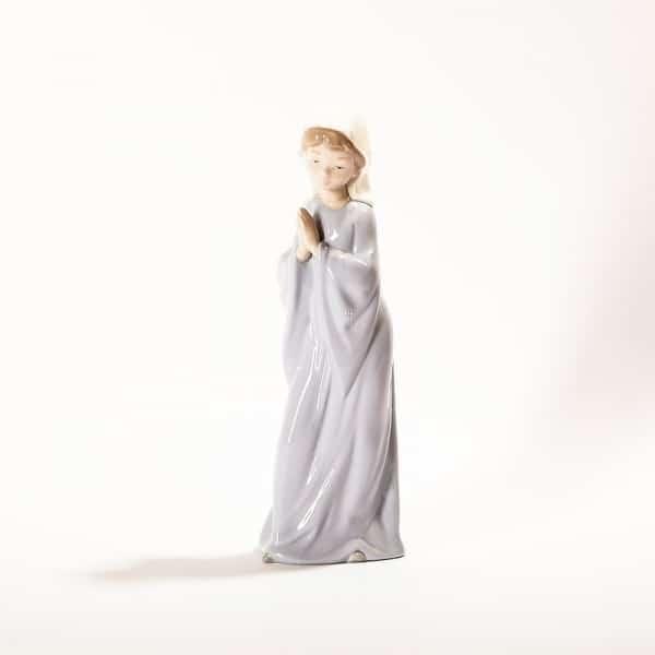 Фарфоровая статуэтка «Девушка в молитве»