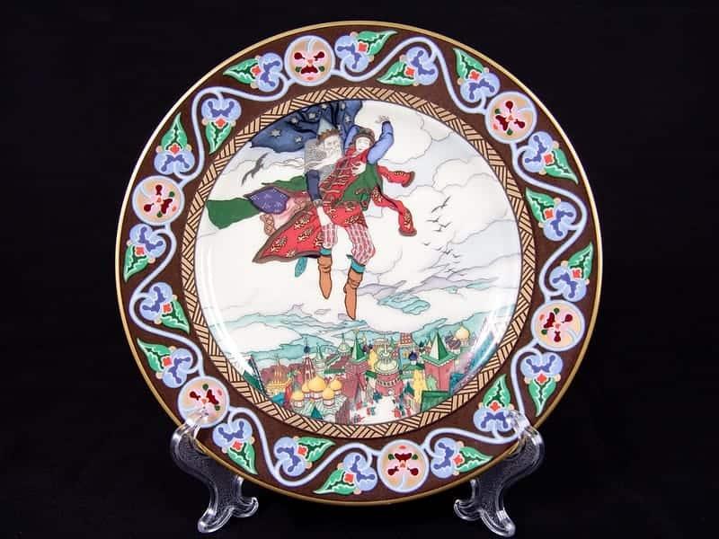 Фарфоровая тарелка «Сюжет русской сказки»