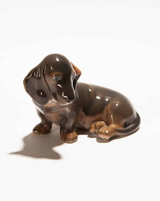 Фарфоровая собака «Такса»