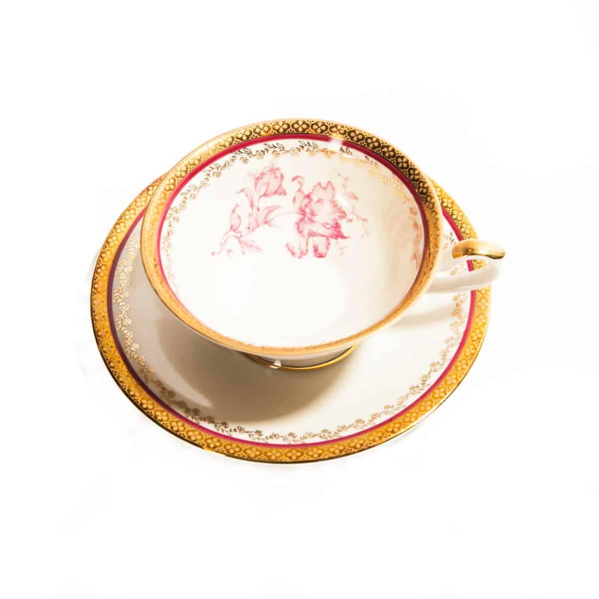 Чашка и блюдечко с позолотой