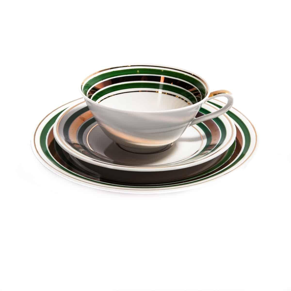 Чашка и блюдца с зелеными полосками