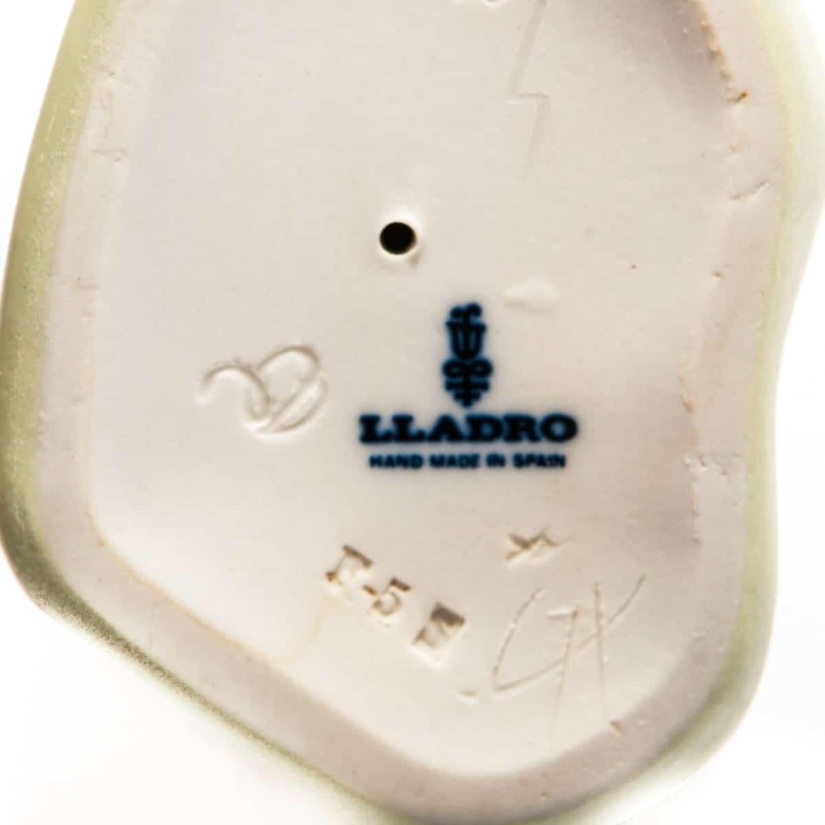 Клеймо завода Lladro