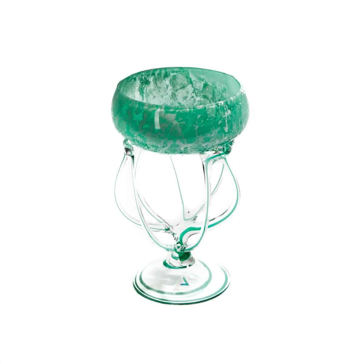 Ваза из зеленого стекла