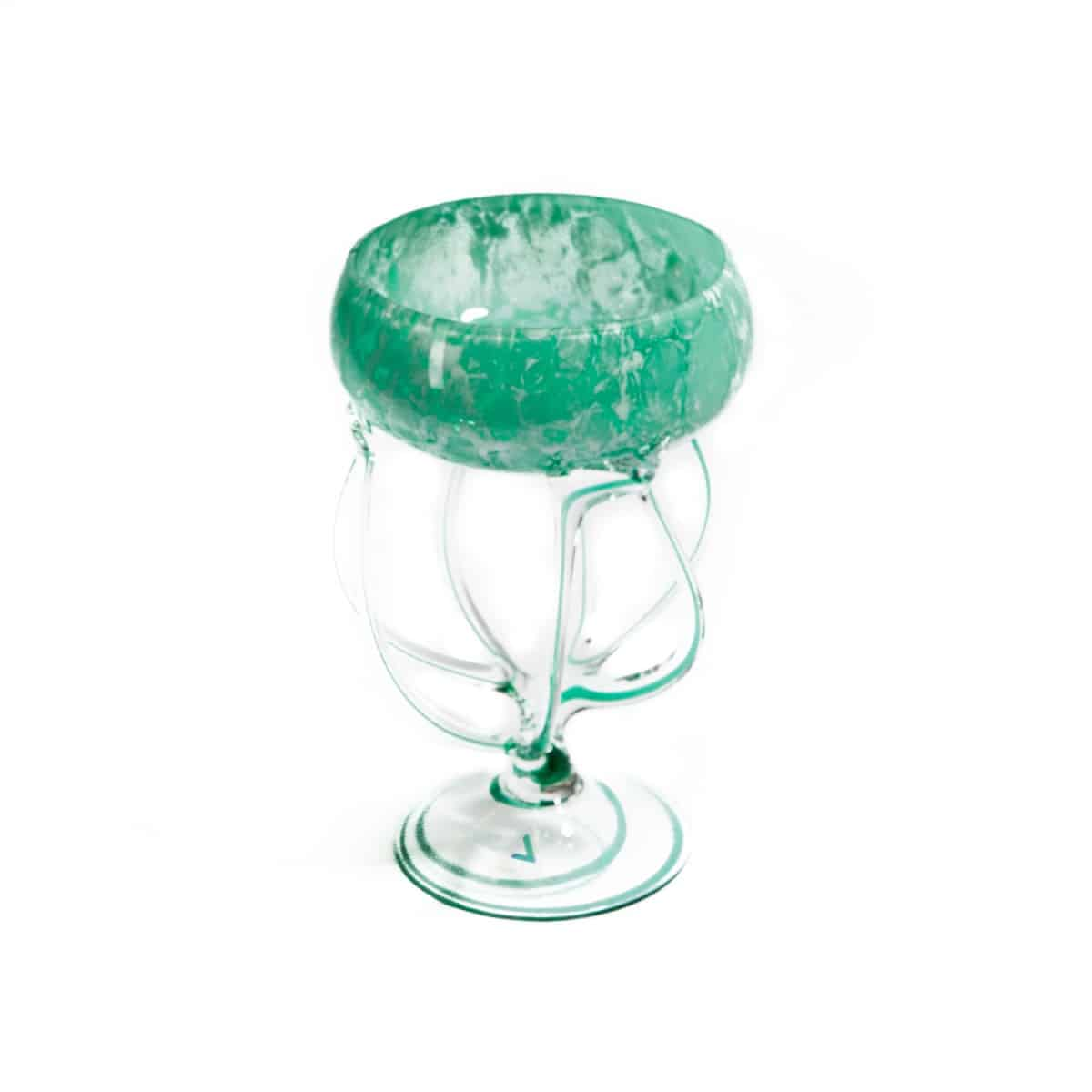 Зеленая ваза из стекла