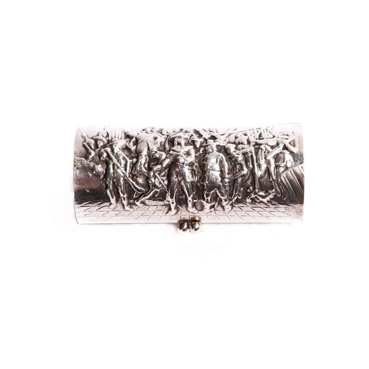 Шкатулка серебряная с рисунком