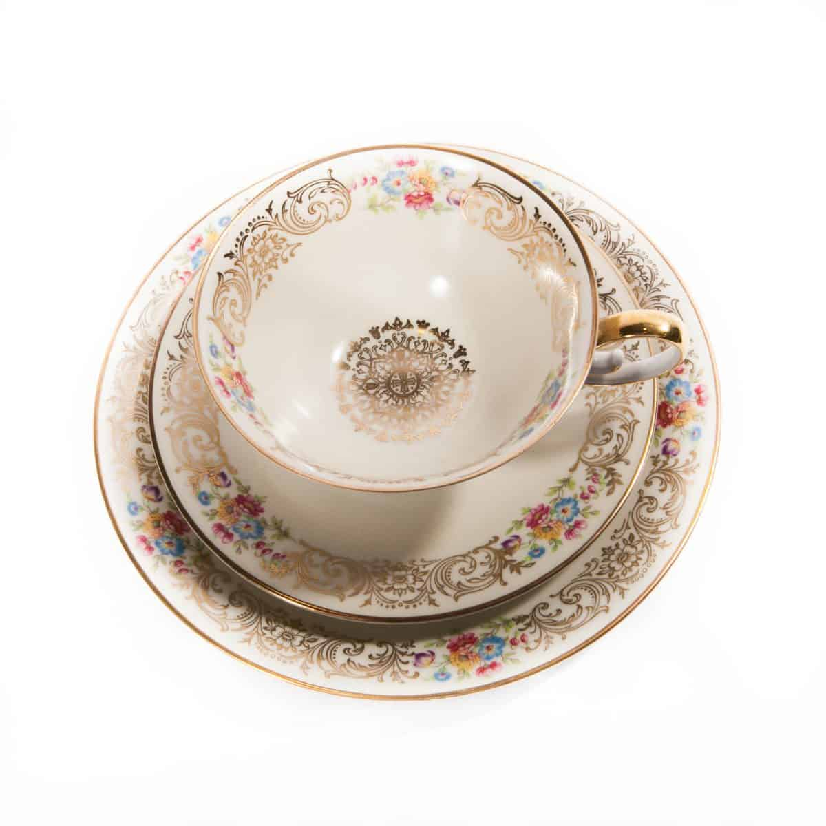 чайная тройка с цветами