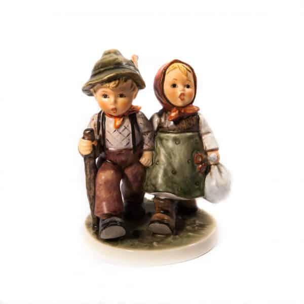 Статуэтка мальчик и девочка