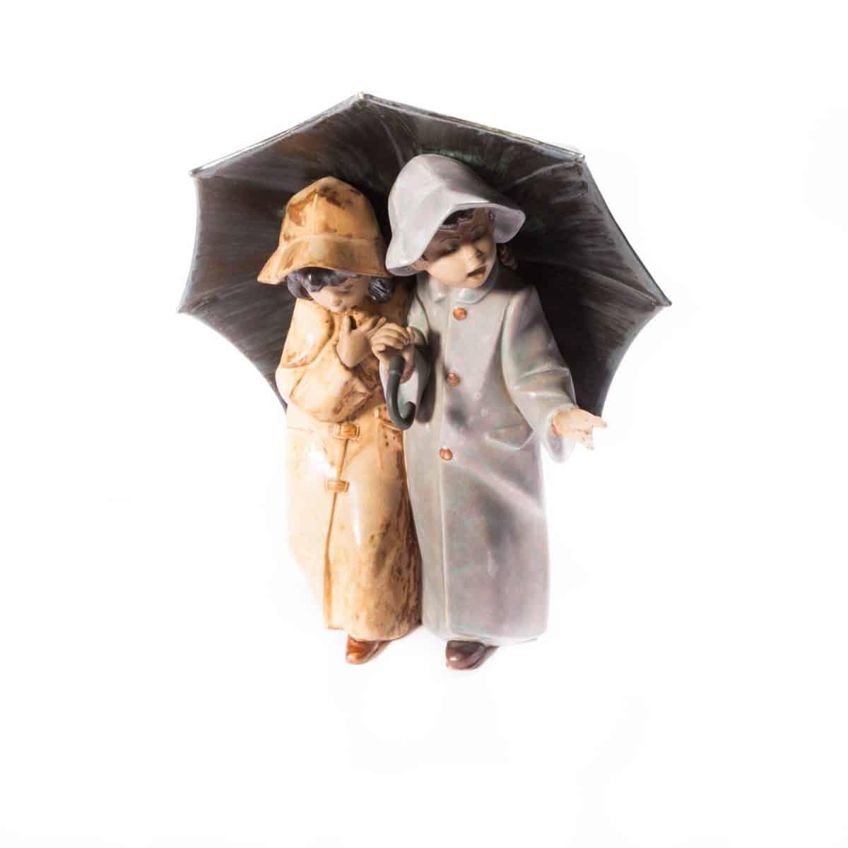 """Фарфоровые """"Дети под зонтом"""""""