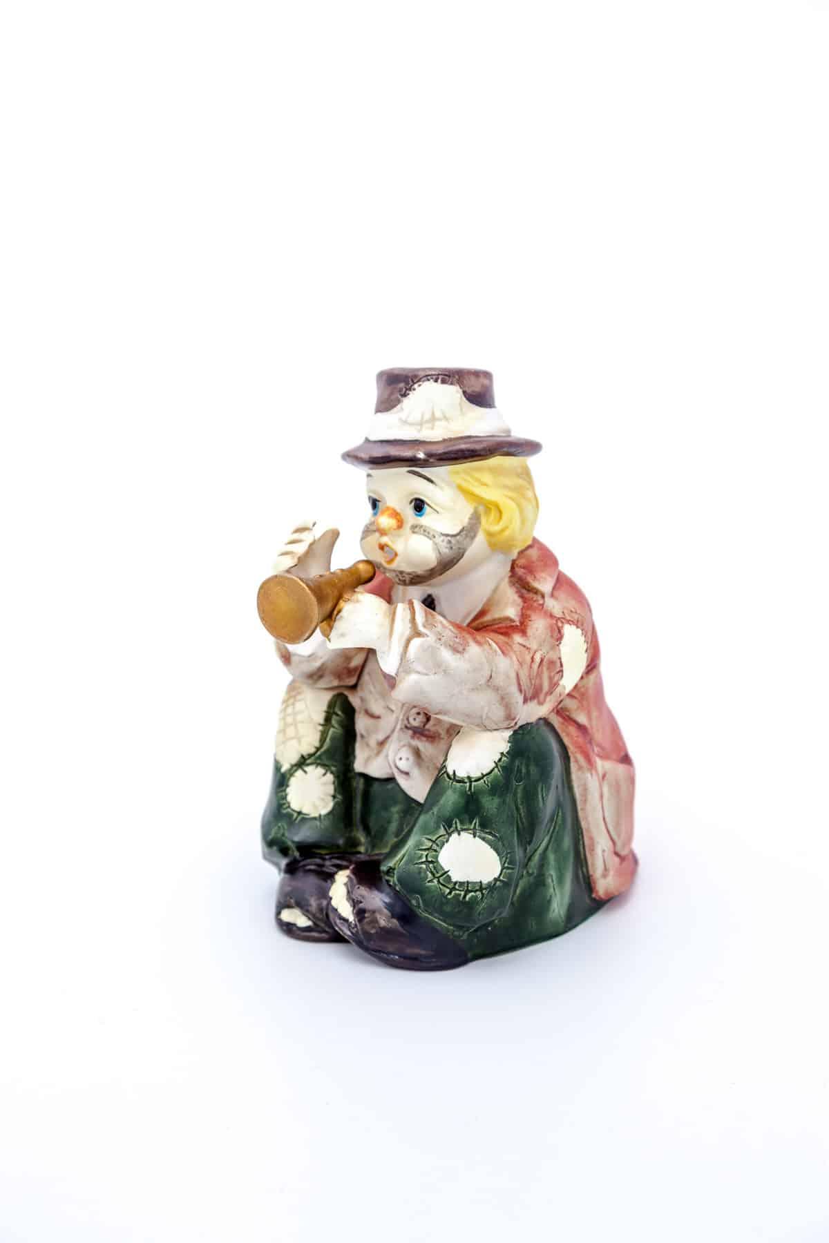 """Фарфоровая статуэтка """"Клоун с трубой"""""""