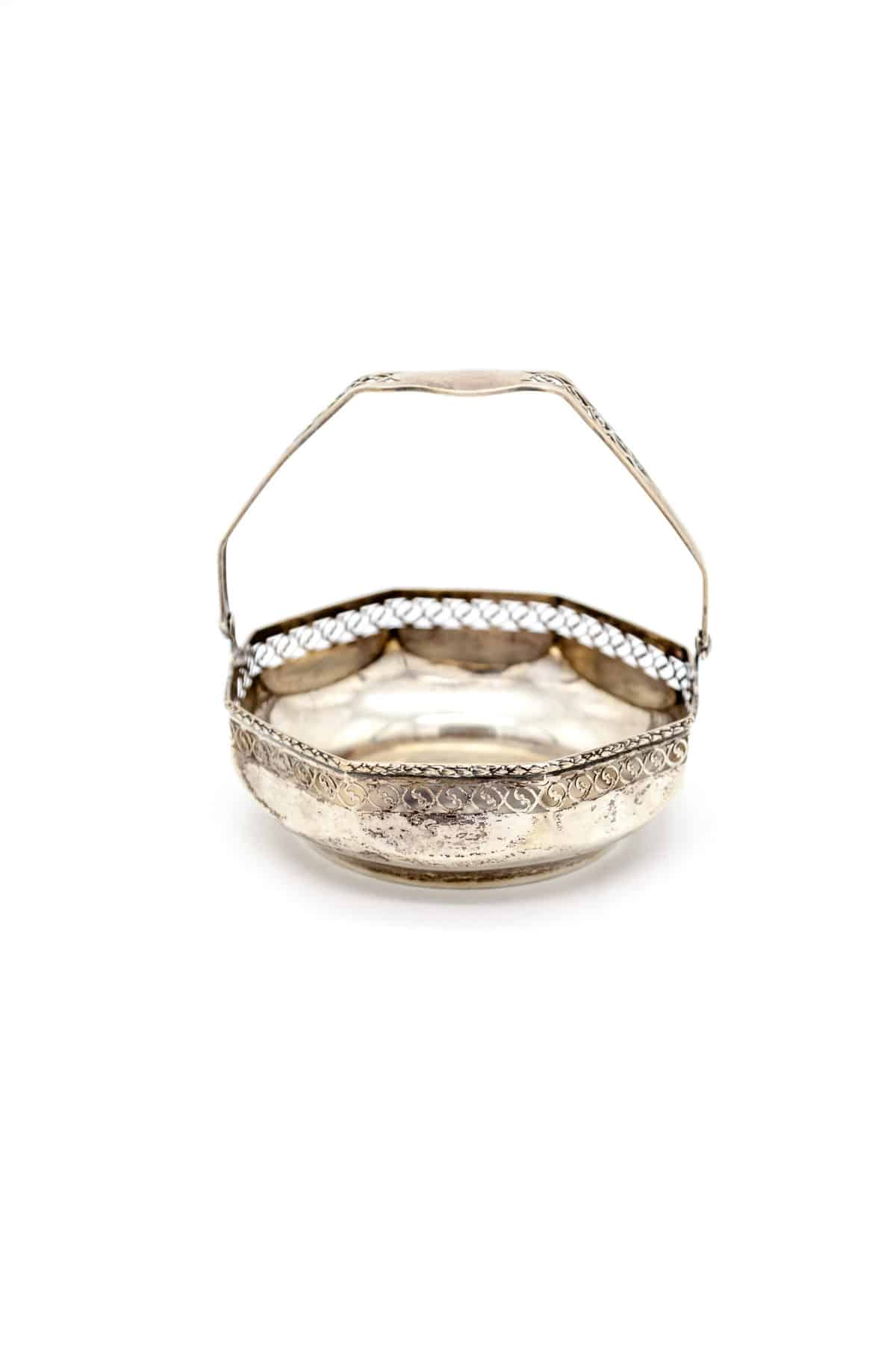 Серебряная конфетница-корзинка