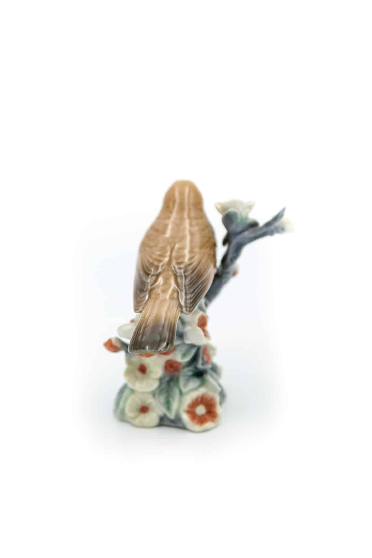 farforovaya statuetka solovey
