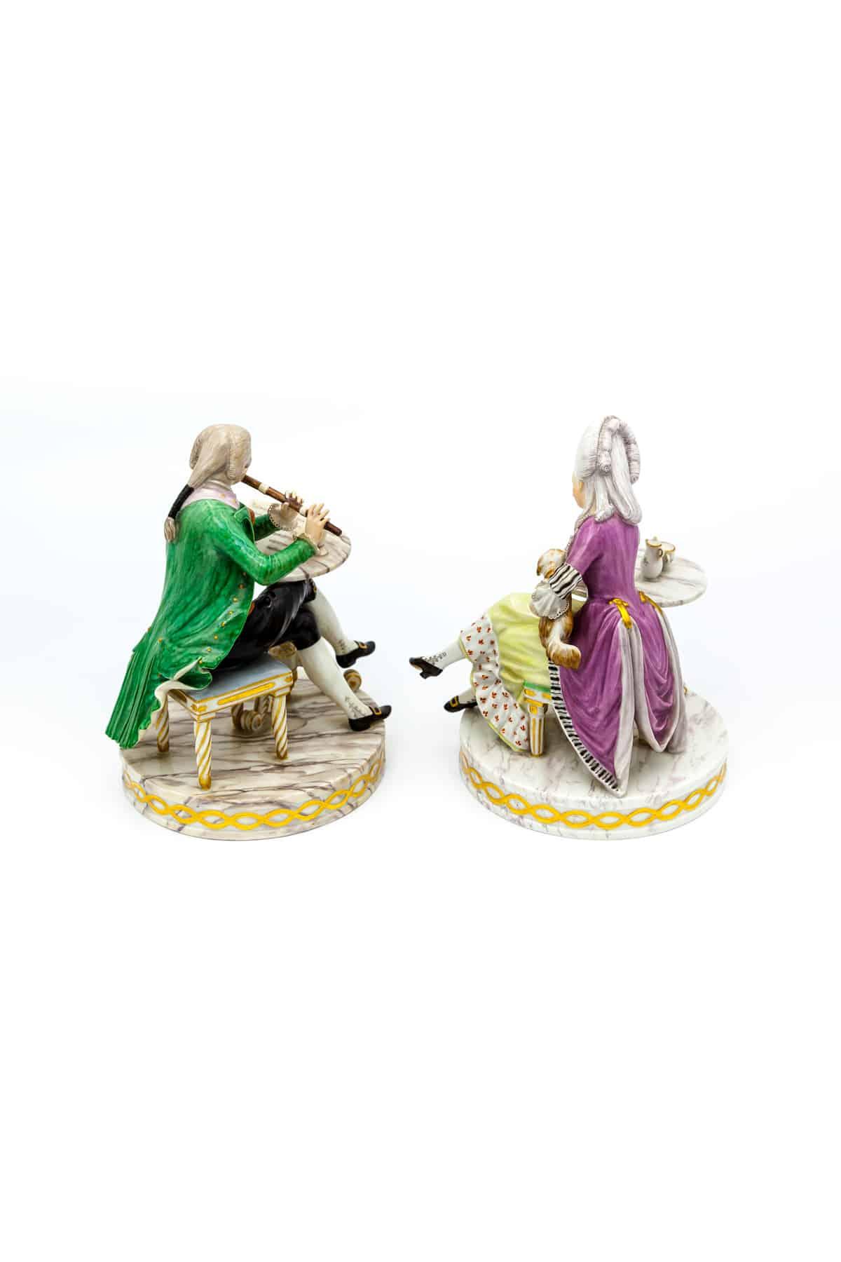 statuetki kavaler i dama s sobachkoj