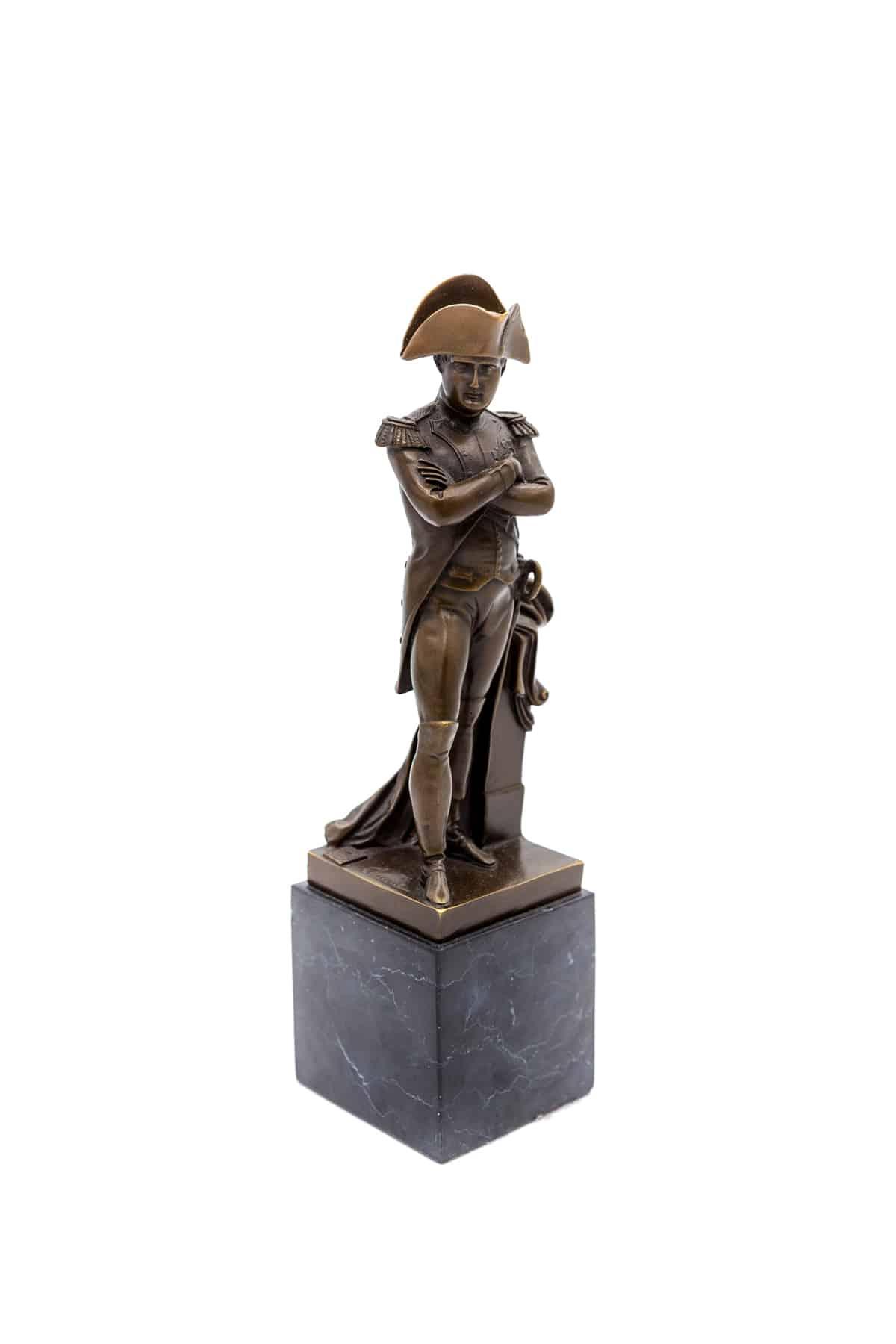 bronzovaya statuehtka napoleon bonapart