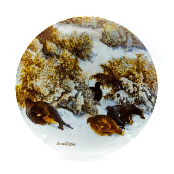 farforovaya tarelka tetereva na snegu