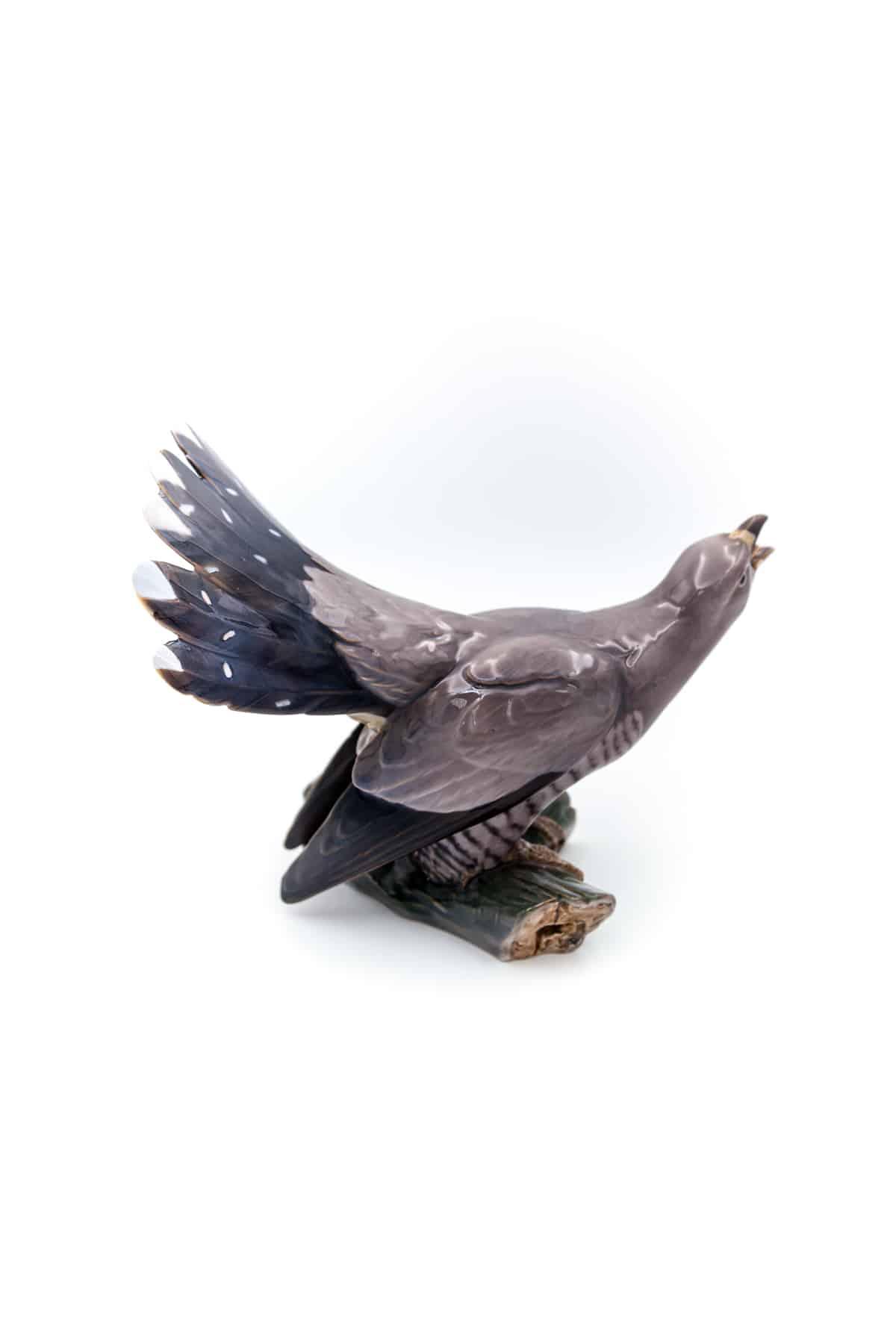 farforovaya statuetka kukushka