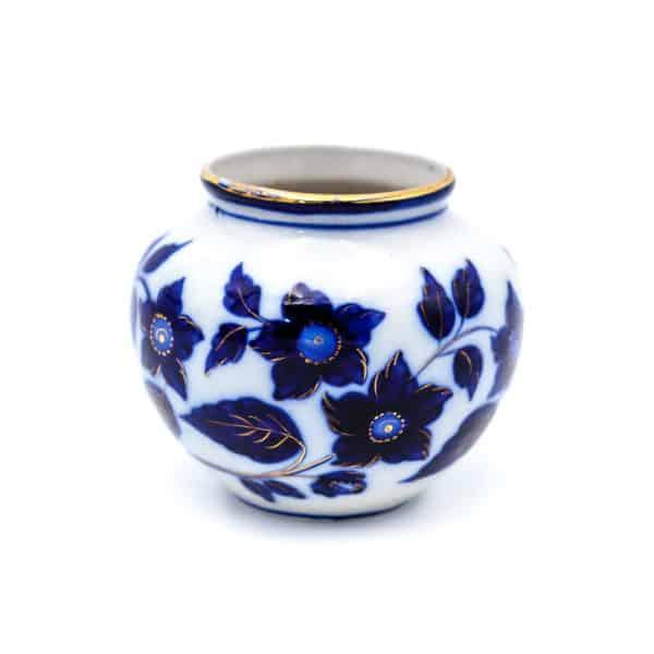 vaza sinie tsvety