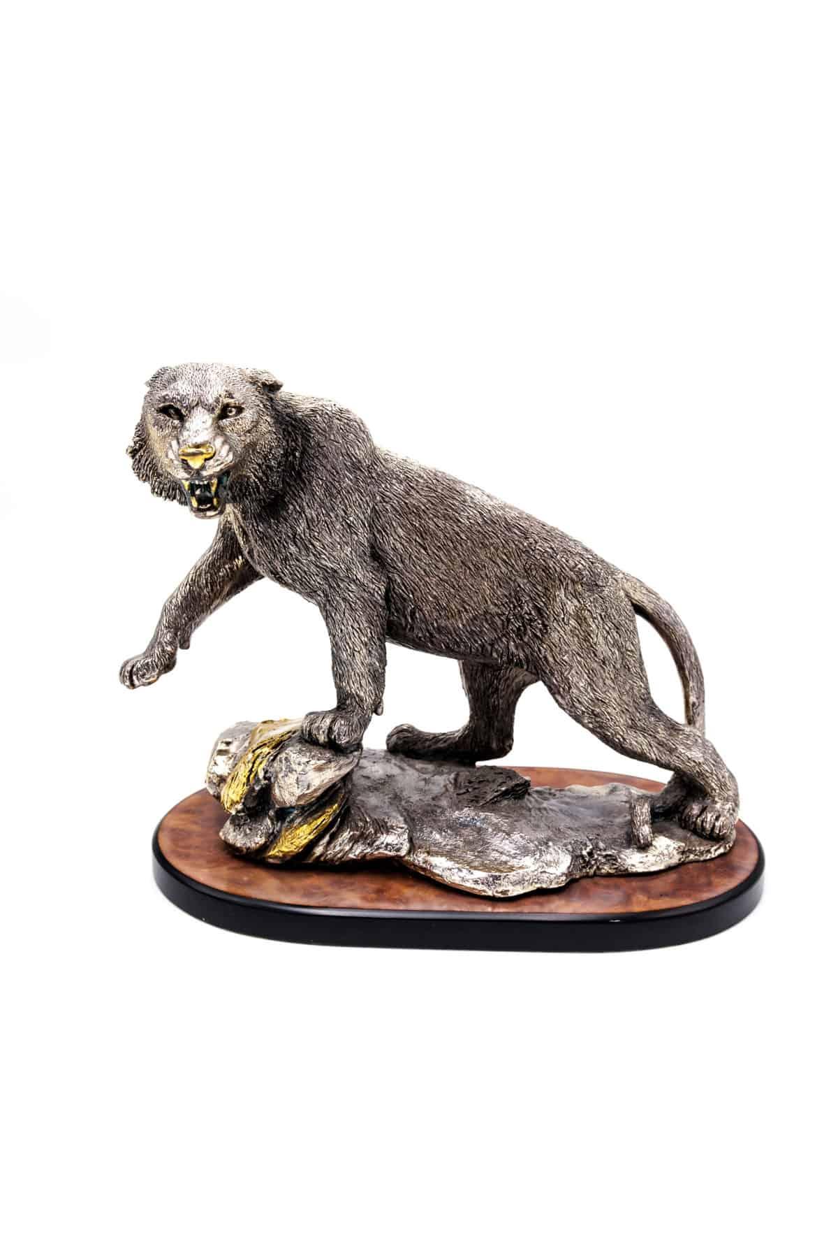 bronzovaya sculptura barsa