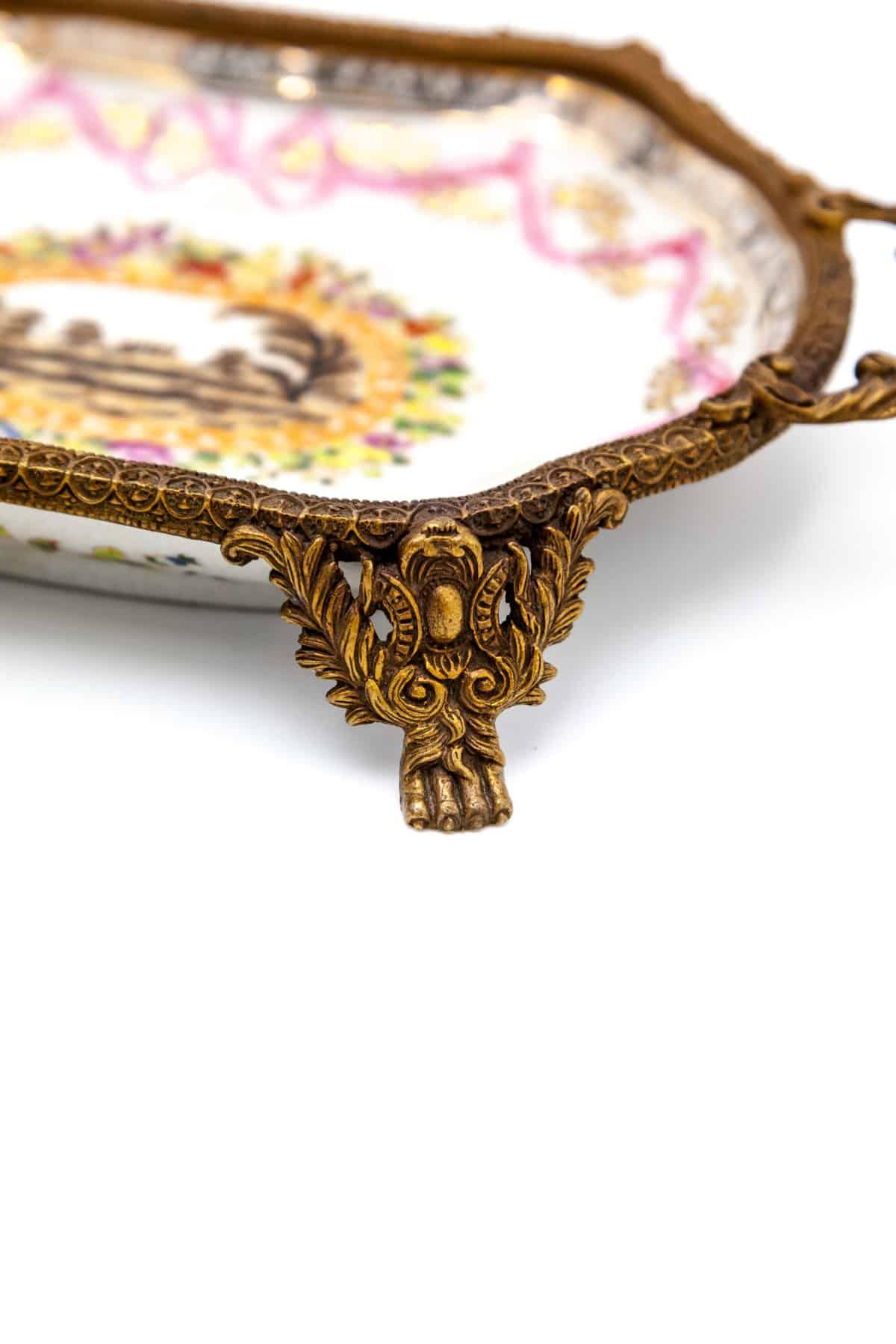 keramicheskaya vaza v bronze