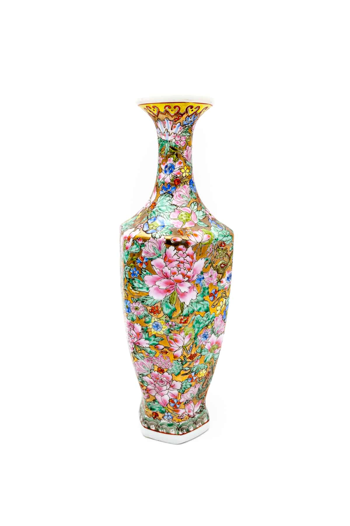 farforovaya vaza tsvety i drakony